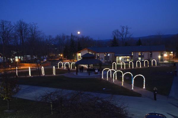 Lighting up gets holiday spirits high