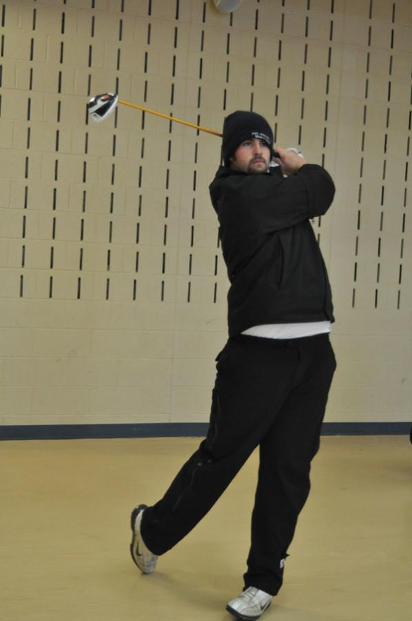 Golfers begin regaining their swings