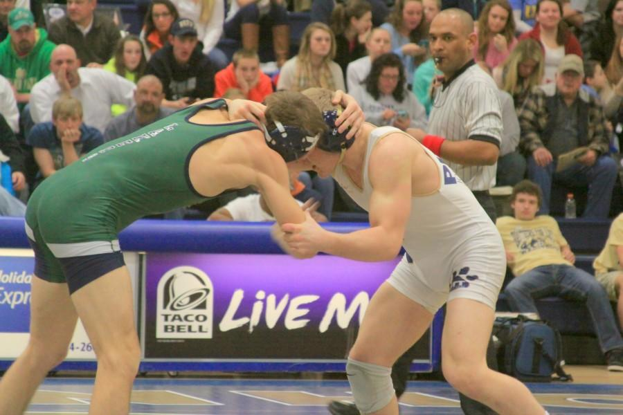 Wrestlers miss opportunity for title