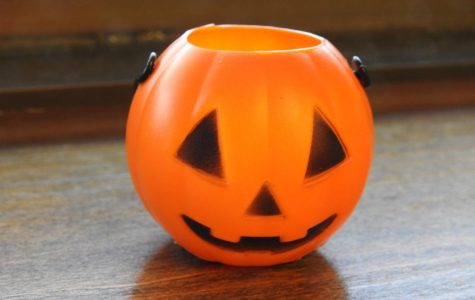Plastic pumpkins are to be hidden throughout campus from Oct. 27-31.