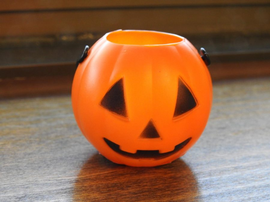 Plastic+pumpkins+are+to+be+hidden+throughout+campus+from+Oct.+27-31.