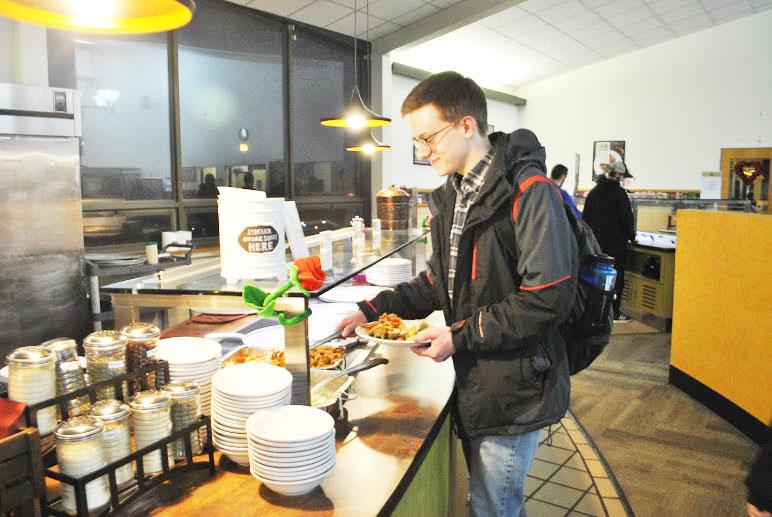Junior Daniel Frishkorn visits the Student Union dining hall pasta bar Jan. 24.
