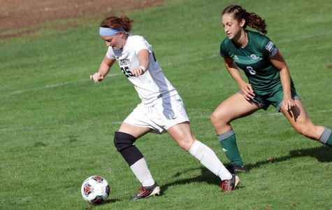 Women's soccer stomps on Clarion