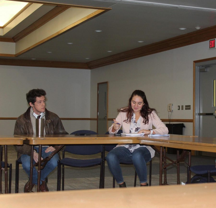 Student+Government+President+Devin+Seiger+%28left%29+and+Vice+President+Tessa+Fry+%28right%29+attend+a+Jan.+20+student+government+meeting.